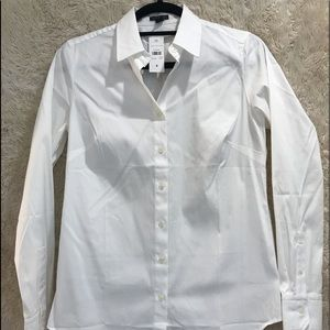 Ann Taylor new with tags white button down size 4